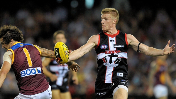Walsh in action for St Kilda