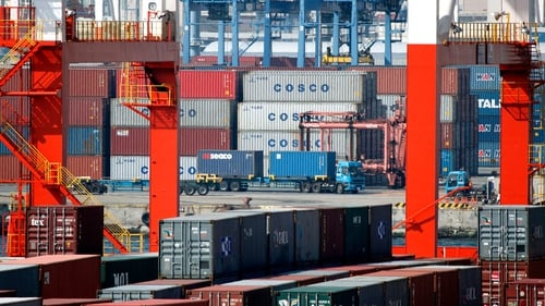 China's exports up by 0.9% in April, while imports increased by 0.8%