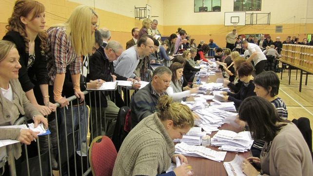 Cork - Tallymen and tallywomen look on as the votes are counted (Pic: Micheal Mac Suibhne)