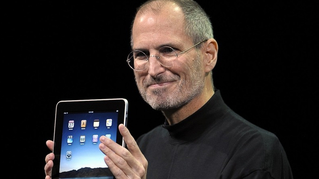 First fiscal quarter since death of iconic founder Steve Jobs