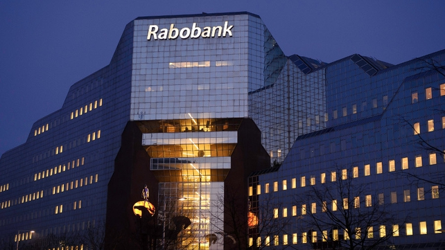 Rabobank's net profit fell by €46m to €2.01 billion in 2013