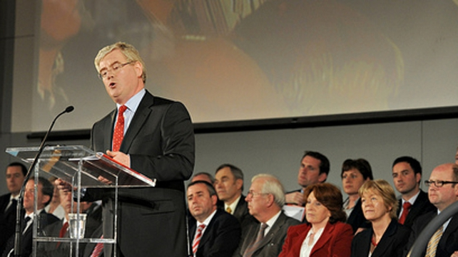 Eamon Gilmore - Addresses Labour Party delegates