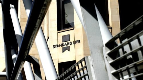 Standard Life sells its Canadian activities to Manulife of Canada for £2.2 billion