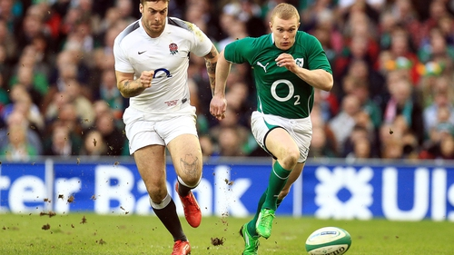 Keith Earls sets the tone with an early kick-and-chase along the left touchline