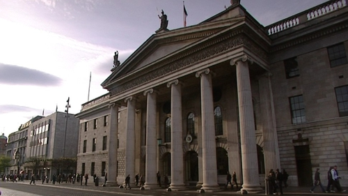 GPO - Gang told employee to take out over €100,000