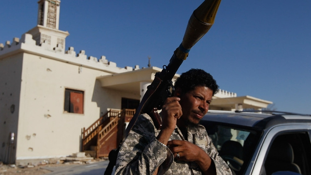 Libya - Rebels continue attack on pro-Gaddafi forces