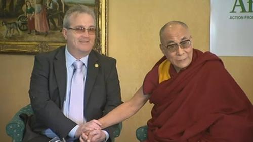 Dalai Lama urges Irish self confidence