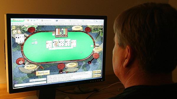 Gambling - Three sites shut down by FBI