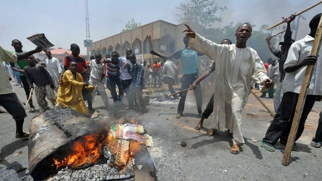 Kano - Buhari supporters set up barricades