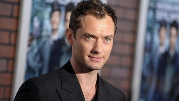 Jude Law cast in Queen of the Desert