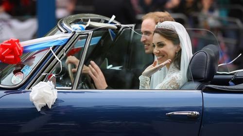 royal wedding tracker