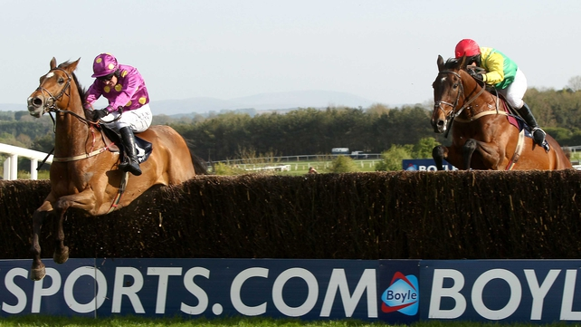 Big Zeb - Jumps clear at the last to defeat Sizing Europe in the Boylesports.com Champion Chase
