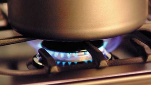 Bord Gáis Energy index inched 1% lower in June to stand at 136