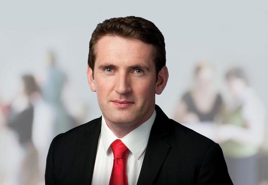 Aodhán Ó Riordáin , TD Aire Stáit.