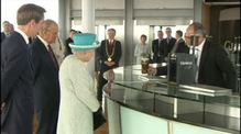 RTÉ.ie Extra Video: Queen Elizabeth II learns about the perfect pint