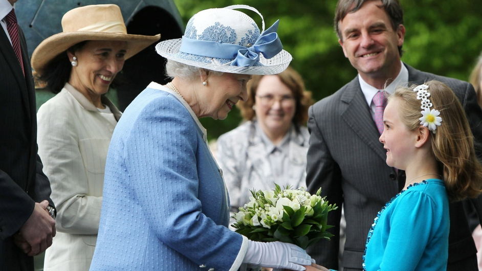 Queen Elizabeth received flowers from Emma Osbourne with John Osbourne, CEO of The Irish National Stud and Chryss O'Reilly , Chair of the Board of The Irish National Stud