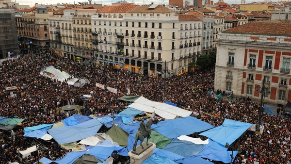 Madrid - Thousands gather in Puerta del Sol
