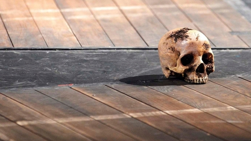 Heads will roll in Shakespeare's world