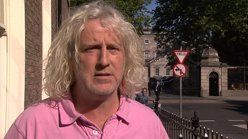 Mick Wallace - Pink shirts could be a thing of the past in the Dáil