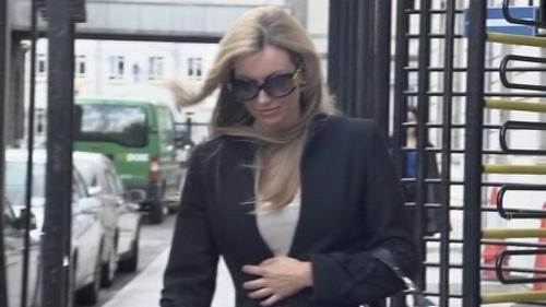 Rosanna Davison - Sued Ryanair