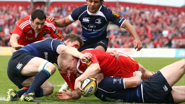 Keith Earls scores Munster's second try