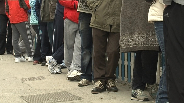Live Register figures - 40% of claimants signing on for more than a year
