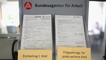 Germany's seasonally adjusted jobless total fell by 11,000 to 2.695 million in May