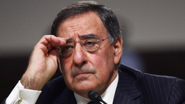 Leon Panetta has warned Iran that it should not meddle in Iraq when US forces leave the country