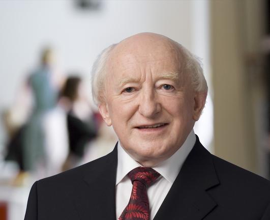 An tUachtarán Mícheál D Ó hUigín.