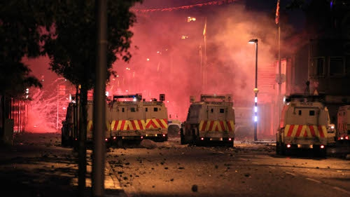 Belfast - Up to 500 people were involved in the violent incidents