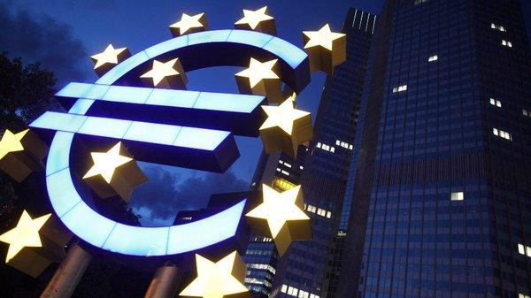 Ninth fall in a row for euro zone economic confidence