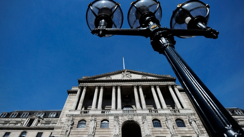 Bank of England keeps UK rates steady at 0.5%