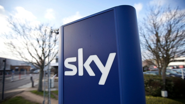 Murdoch bid for Sky to go ahead with sale of Sky News