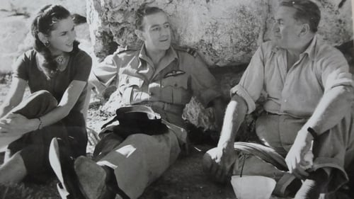 Malta Story 1953 Hurst directing Alec Guinness and Muriel Pavlow. (Courtesy of British Film Institute)