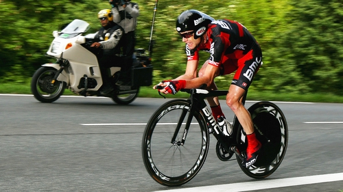Cadel Evans has retained his lead of the Giro d'Italia