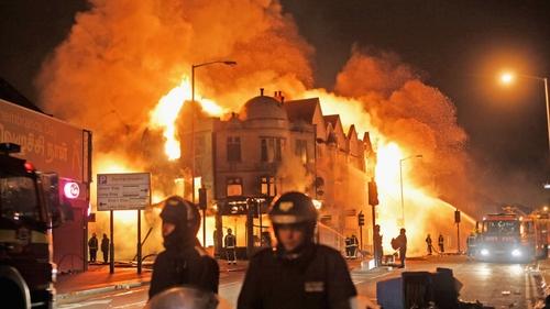 Croydon - Man charged over blaze