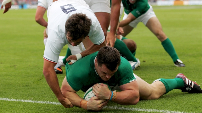 Cian Healy scores Ireland's first try