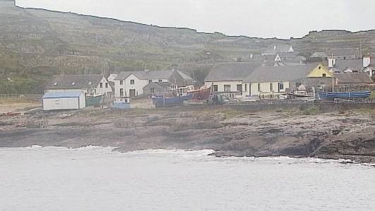 Bríd Ní Chualáin,  Comharchuman Inis Oirr.