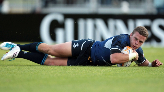 Ian Madigan crosses for Leinster