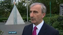 Six One News: Fine Gael target Sinn Féin's Áras candidate