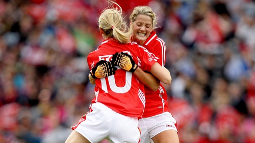 Murphy (r), a seven-time All-Ireland senior medallist, announced her retirement from intercounty and club football last week