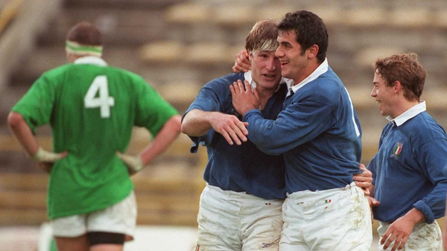 Italy v Ireland 1997 (Bologna) - The Italians celebrate a try