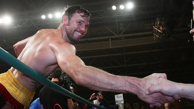 Andy Lee took his record to 29 wins and two losses with victory over Fitzgerald in Belfast