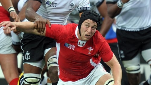 Ryan Jones has been withdrawn from Wales' Six Nations squad