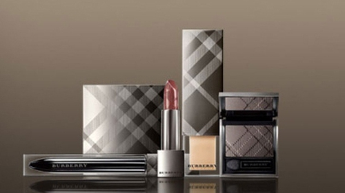 Burberry warns of currency headwinds