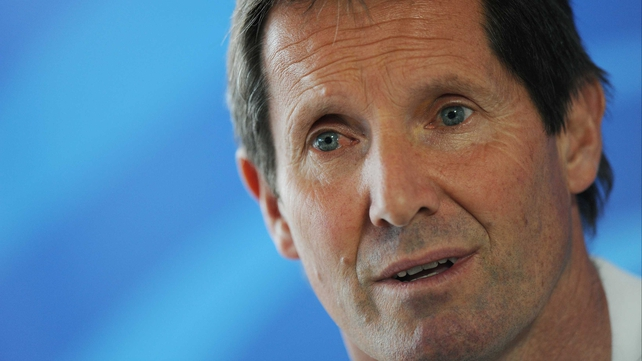 Wallabies coach Robbie Deans wants his side to finish on a positive note against Wales