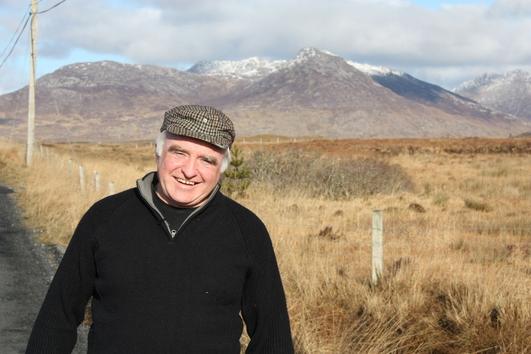 Pádraic Pheaitín an Tailliúra Ó Conghaile, Cathaoirleach Ghlór na Tuaithe.