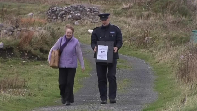 Ballot box being delivered to Inishboffin this morning