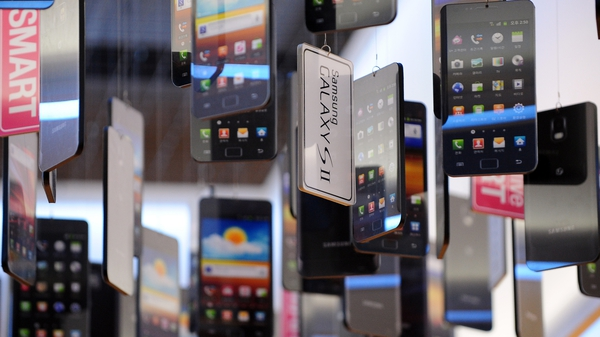 Samsung sold the highest number of smartphones last year