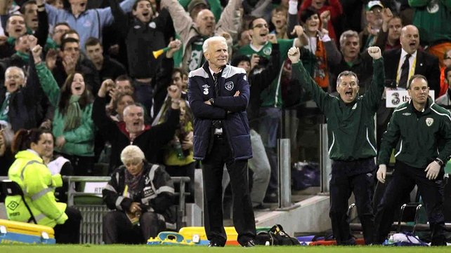Trap remains cool as Lansdowne Road erupts...